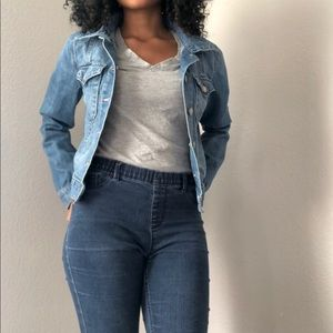 Classic Gap Cropped Denim Jacket